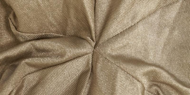 裏生地に銀繊維のハイテク複合ファブリックを使用