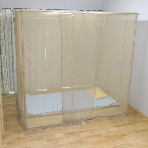 透過性に優れ室内を暗くすることはありません