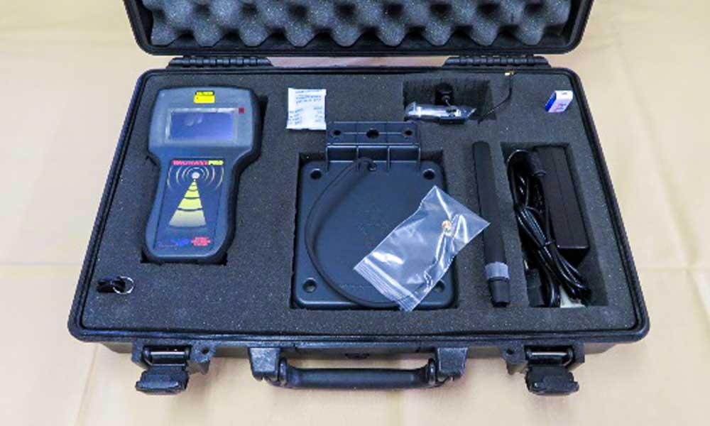 高周波電磁波の周波数を計測するとことができる高性能検出機器